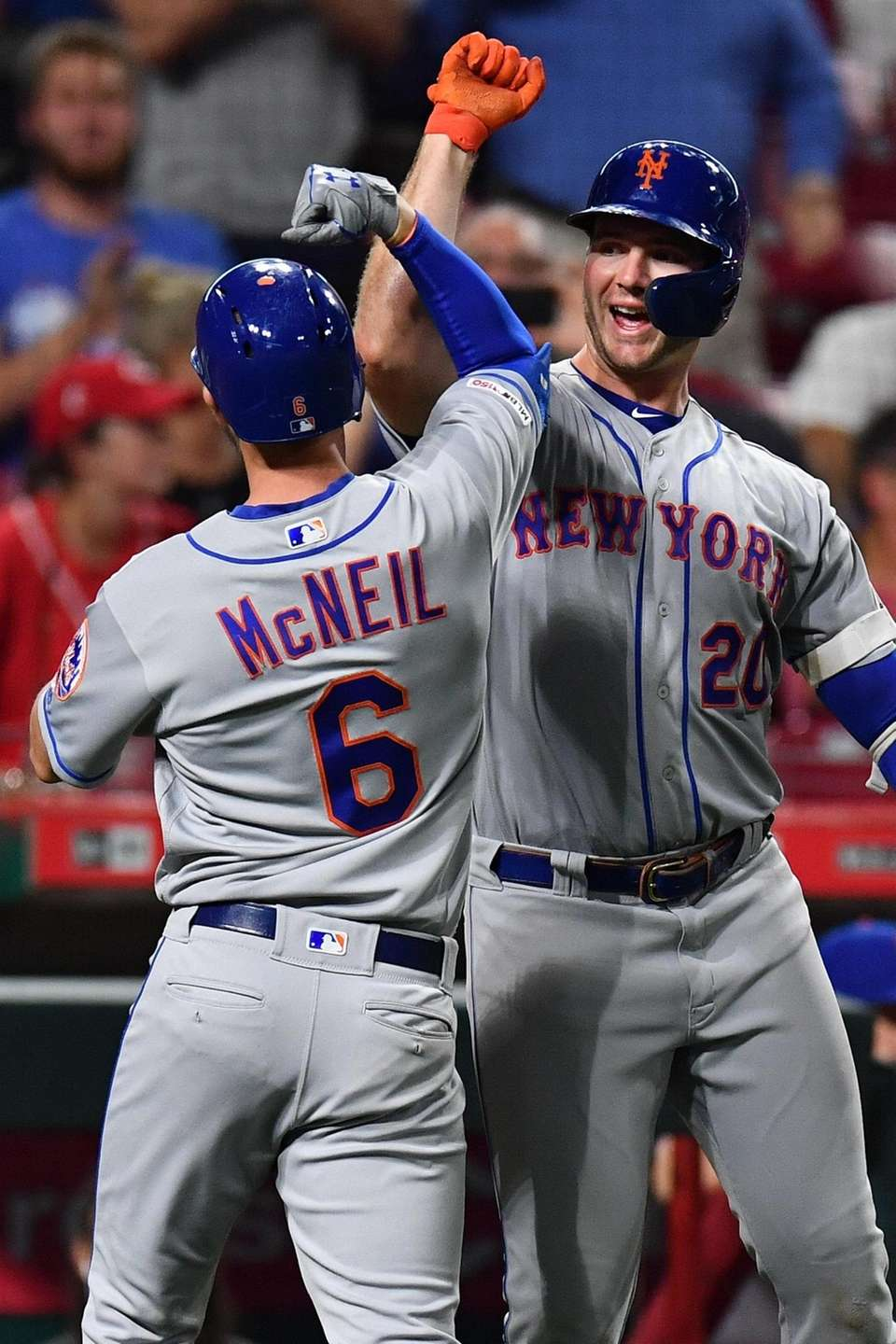 Pete Alonso of the Mets celebrates with Jeff