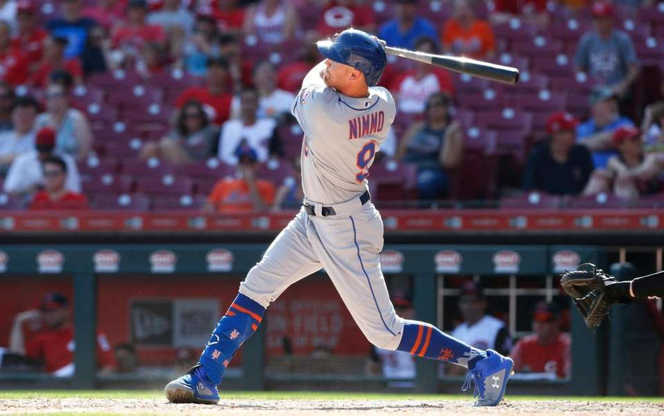 The Mets' Brandon Nimmo knocks a solo home