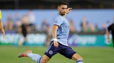 New York City FC midfielder Valentin Castellanos sets