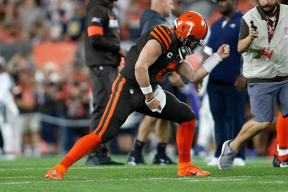 Baker Mayfield of the Cleveland Browns plays air