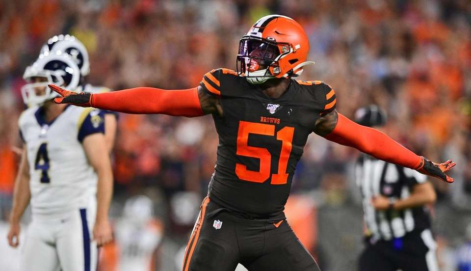 Cleveland Browns linebacker Mack Wilson reacts to a