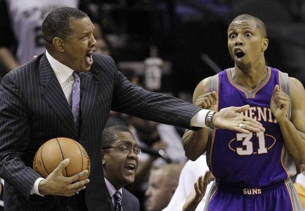 Phoenix Suns coach Alvin Gentry, left, and Suns