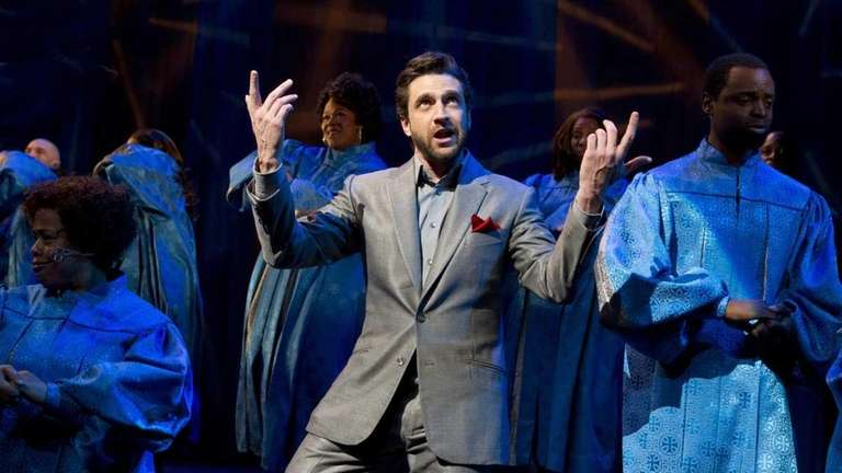 Raul Esparza in