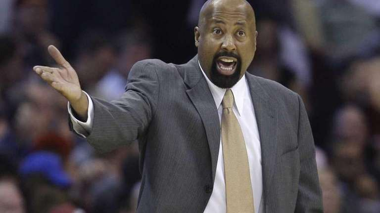 Knicks head coach Mike Woodson reacts in the
