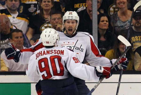 Troy Brouwer of the Washington Capitals celebrates his