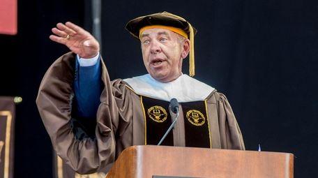 Commencement Speaker Al Trautwig addresses graduates during Adelphi's