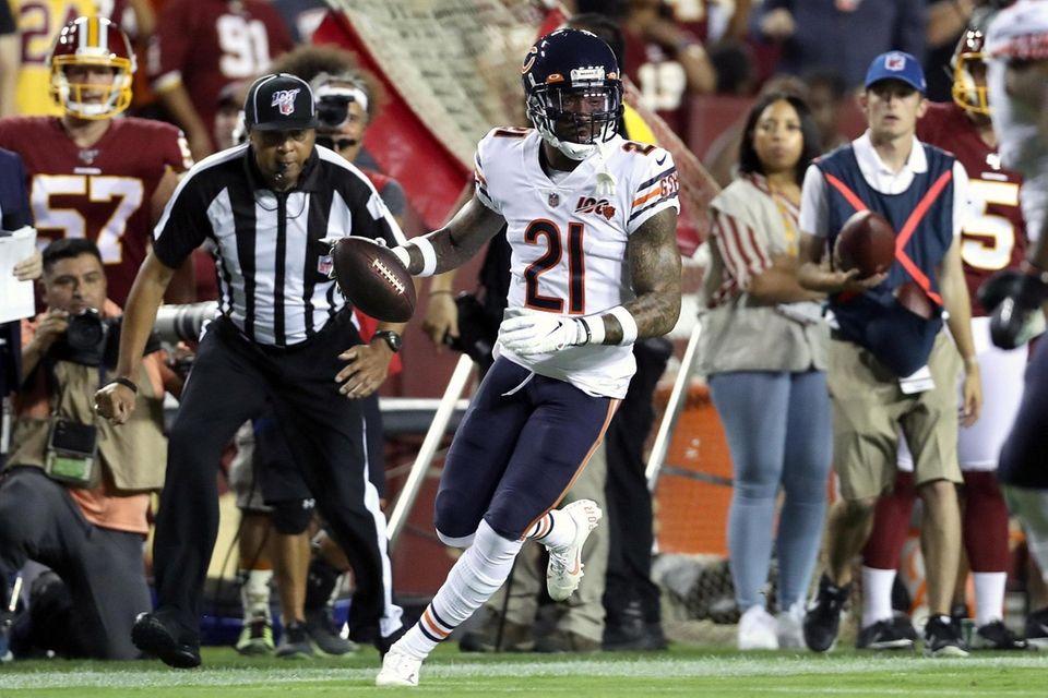 Ha Ha Clinton-Dix of the Chicago Bears intercepts