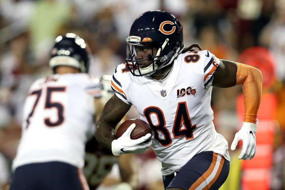 Cordarrelle Patterson of the Chicago Bears carries the