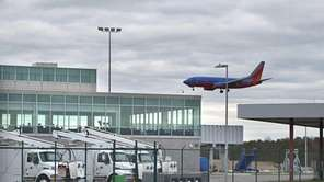 A Southwest Airlines' 737 comes in for a