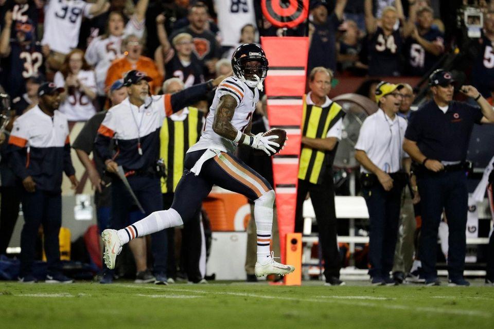 Chicago Bears strong safety Ha Ha Clinton-Dix runs