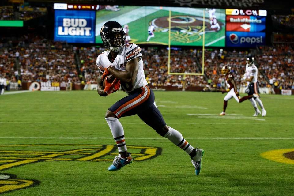 Chicago Bears wide receiver Taylor Gabriel runs with