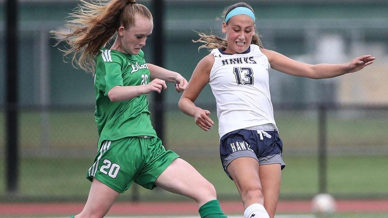 Farmingdale defeated visiting Plainview-Old Bethpage JFK, 2-1, in