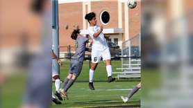 Brentwooddefeated Ward Melville, 1-0, in a Suffolk I