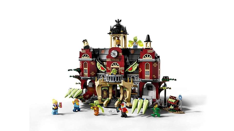 This set combines regular Lego play with an