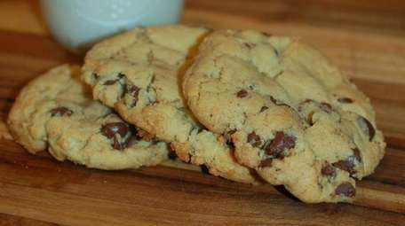 No Gluten Kneaded's classic chocolate chip cookies are