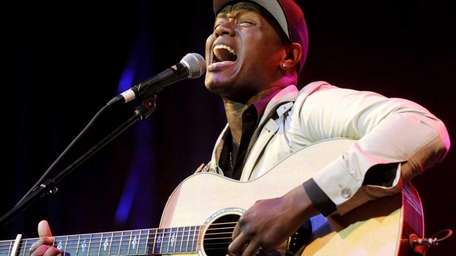 Javier Colon will perform at the YMCA Boulton