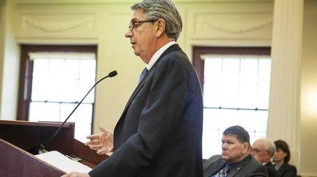 Mike Setzer, Vice President of Veolia transportation, speaks
