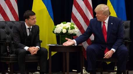 President Donald Trump with Ukrainian President Volodymyr Zelensky