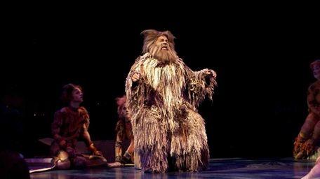 Ken Page stars as Old Deuteronomy in