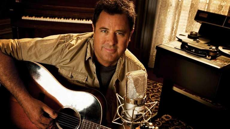 Country star Vince Gill is seen in this