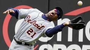 Detroit Tigers left fielder Delmon Young cannot catch