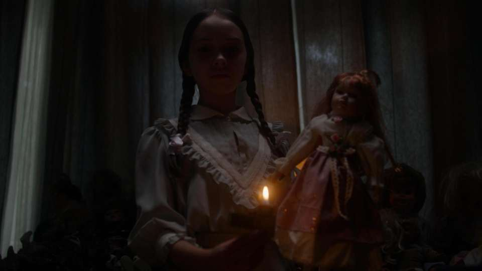 """Using dramatic reenactments, """"Haunted"""" shows real people telling"""