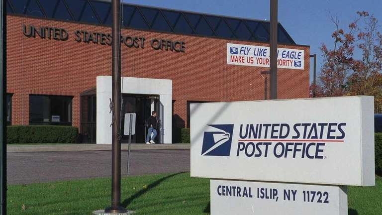 Exterior of the Central Islip post office, Suffolk