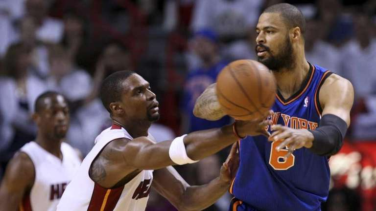 New York Knicks' Tyson Chandler (6) passes the