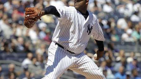 New York Yankees starting pitcher CC Sabathia pitches