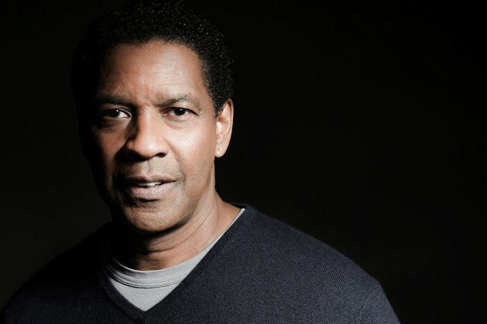 Denzel Washington played Troy Maxson in