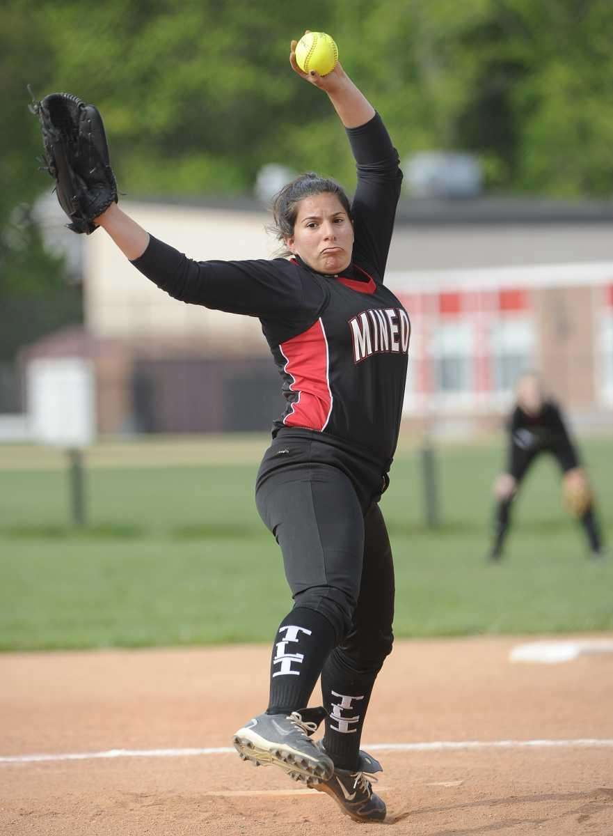 Mineola starting pitcher Emily Skupp delivers to the