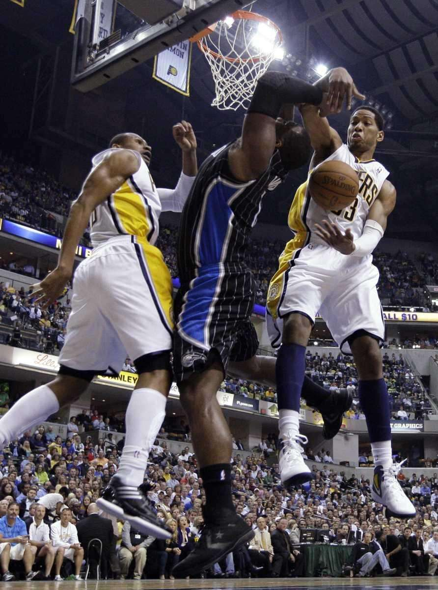 Orlando Magic forward Glen Davis, center, is fouled