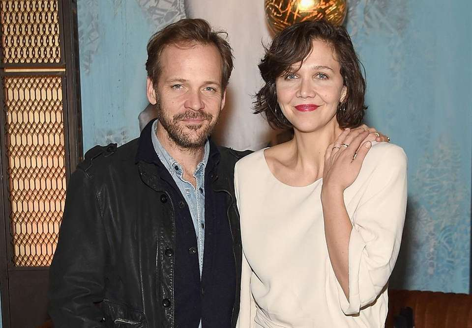 Parents: Maggie Gyllenhaal and Peter Sarsgaard Children: Gloria,