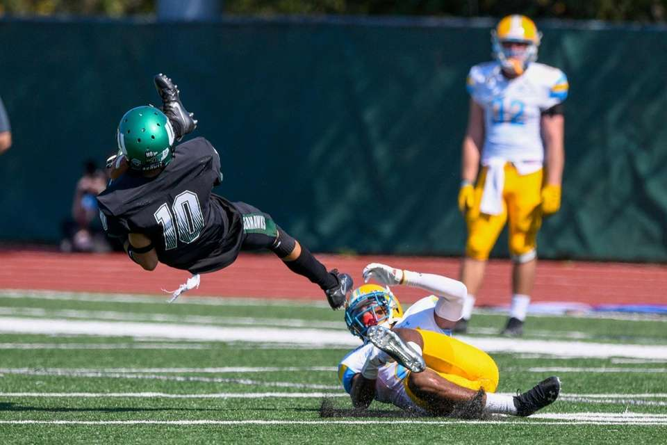 Wagner Seahawks wide receiver Jeremiah Lorick (10) is