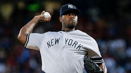Yankees starting pitcher Luis Severino (40) throws during