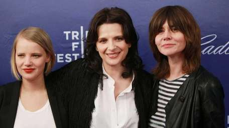 Joanna Kulig, Juliette Binoche and Magoska Szumowska attend