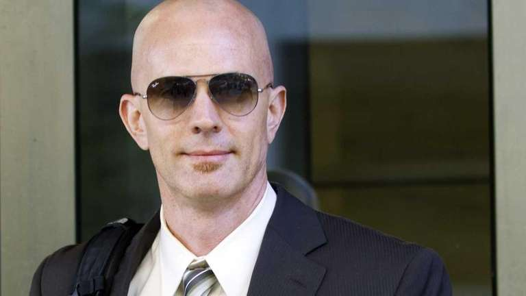 Federal agent Jeff Novitzky exits after testifying at