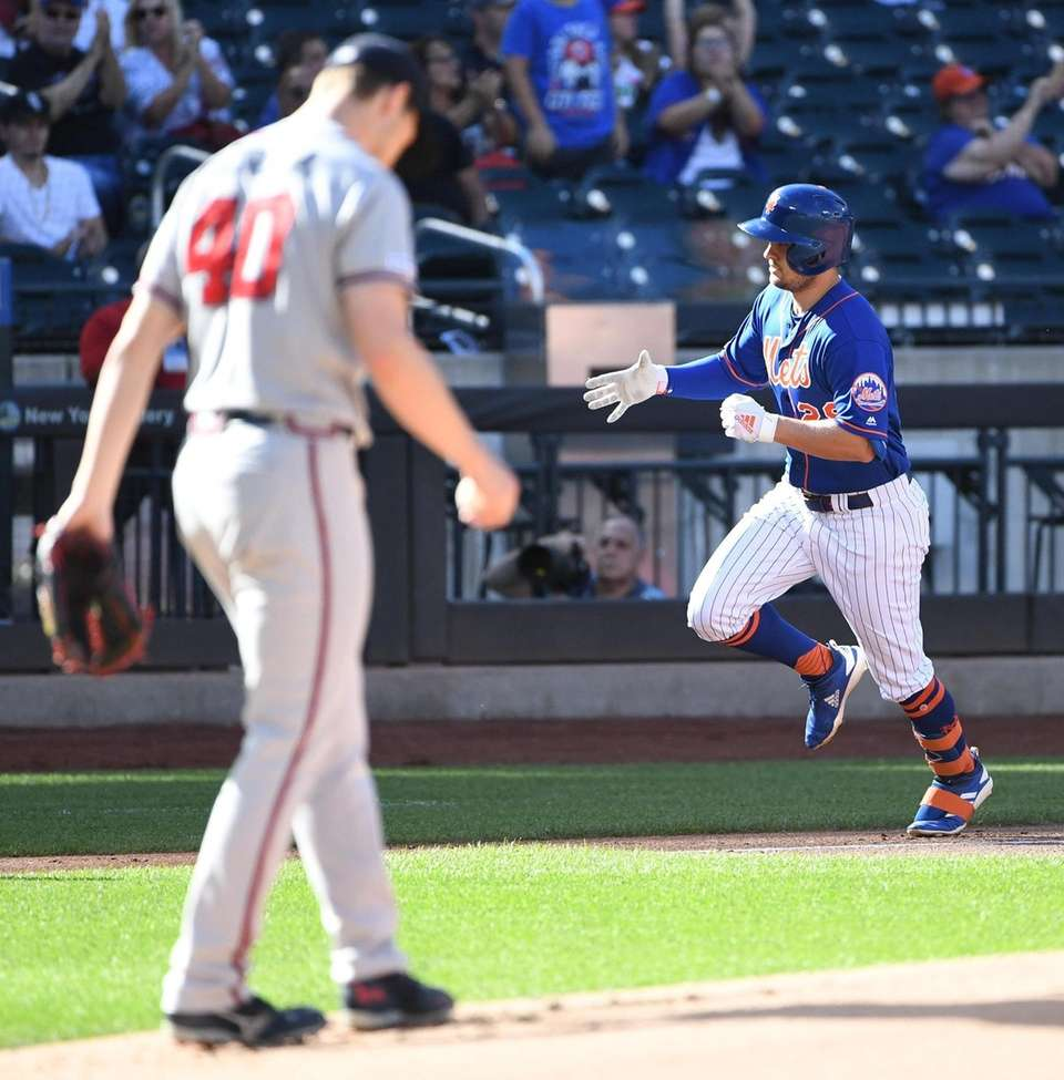 New York Mets' J.D. Davis rounds the bases