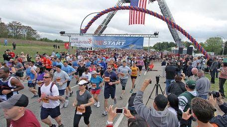Racers start the 2012 Long Island Marathon in