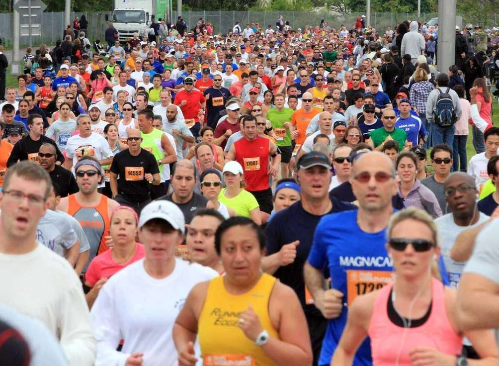 Runners start the 2012 Long Island Marathon in