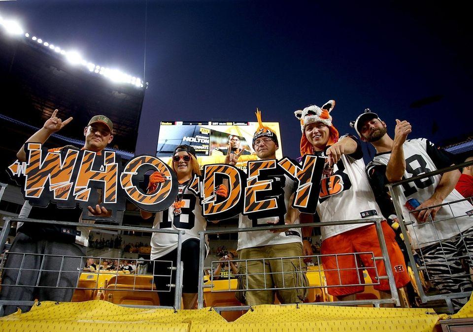 Cincinnati Bengals fans pose for photos before the