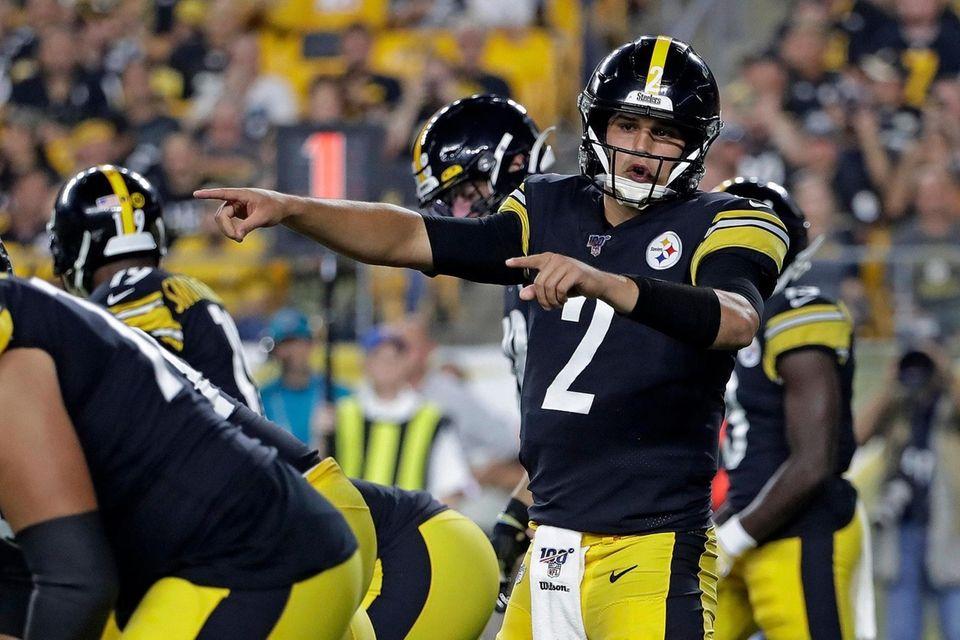 Pittsburgh Steelers quarterback Mason Rudolph calls signals during