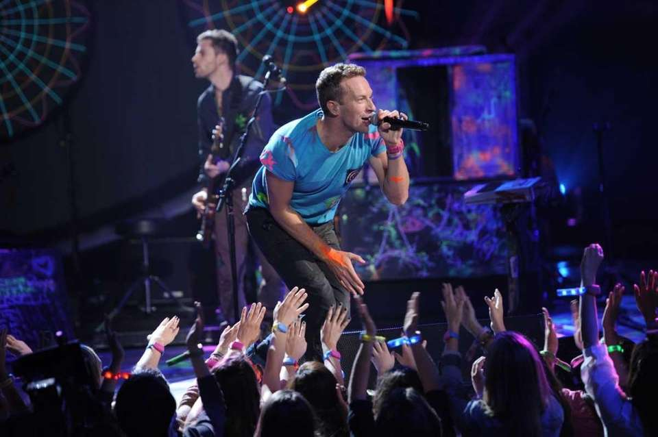 "Band: Coldplay Tour reason: To promote ""Mylo Xyloto"""