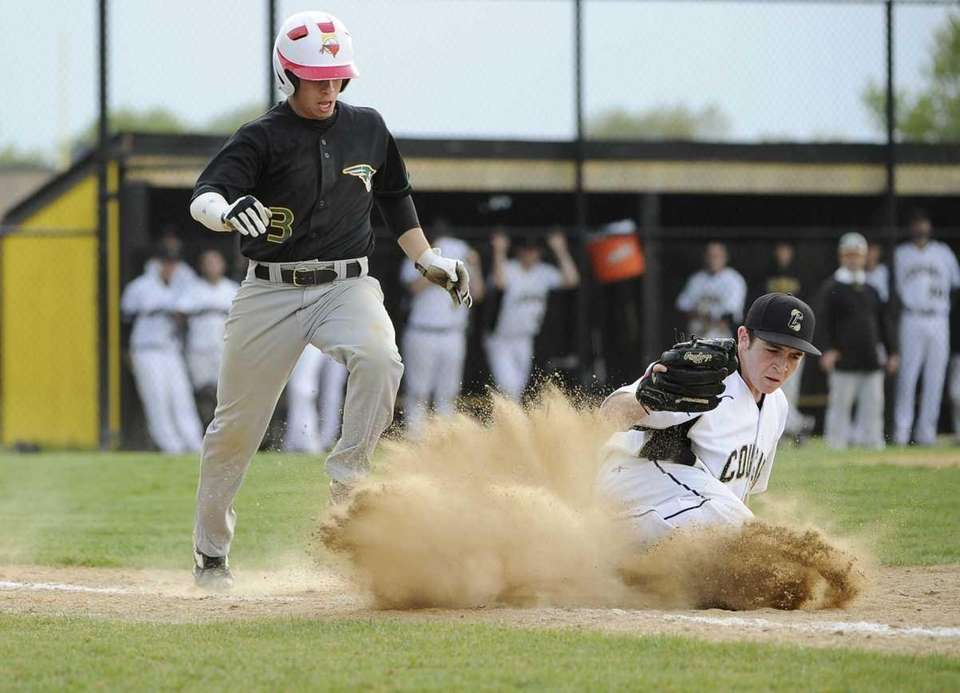 Commack's Robert Pepe gets Ward Melville's Anthony Padrazo
