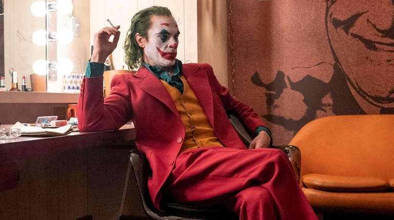The Joker (Joaquin Phoenix) waits in the dressing room as guest on The Murray Franklin Show.