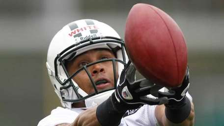 Jordan White works out during Jets rookie minicamp