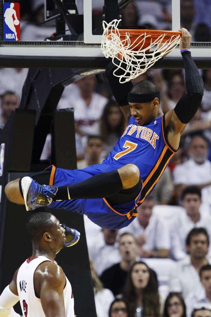 New York Knicks forward Carmelo Anthony (7) comes