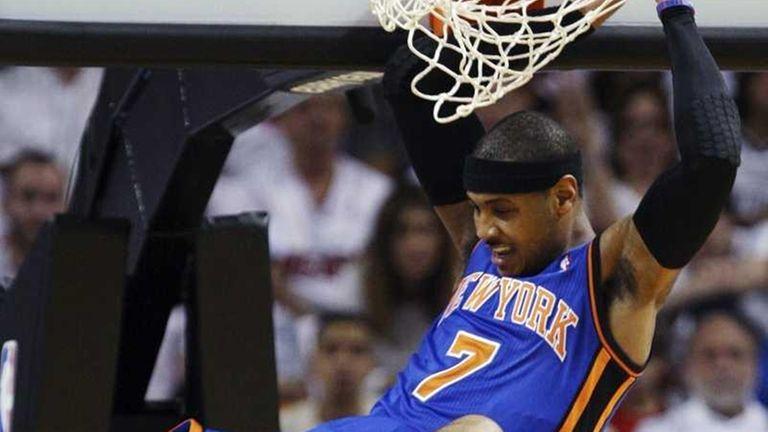 New York Knicks forward Carmelo Anthony (7) comes