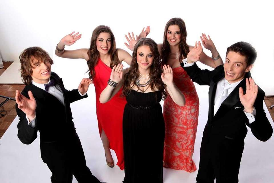 Carbone quintuplets Austin, Francesca, Brianna, Marissa, and Brandon