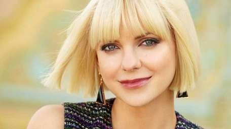 Anna Faris poses for a publicity photo. (May